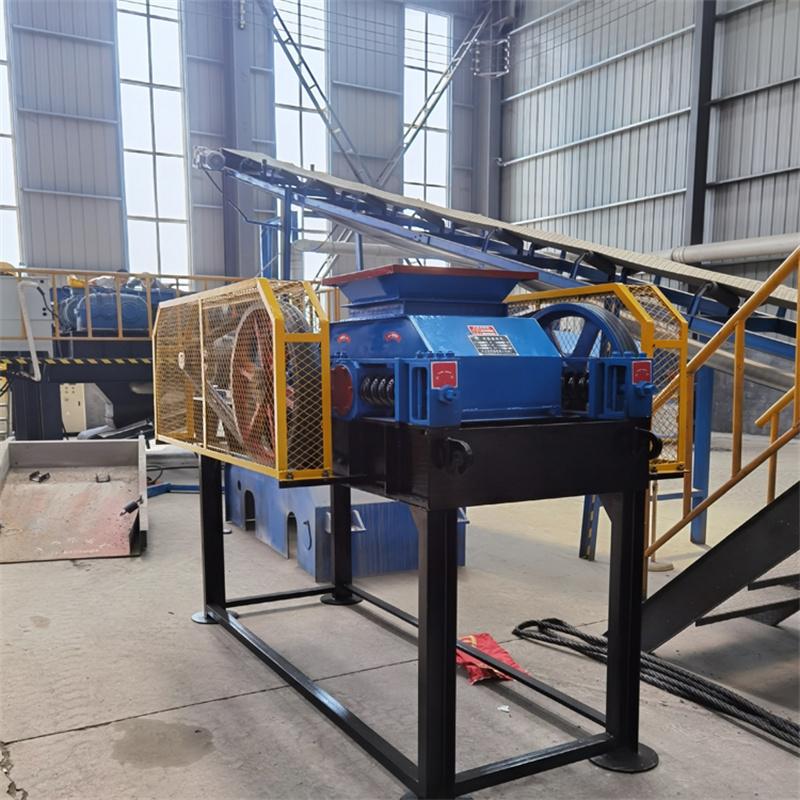 时产150吨双辊式制砂机
