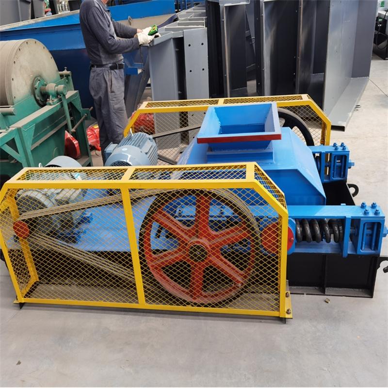 时产40、50吨对辊式制砂机
