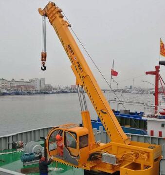 港口起重机型号
