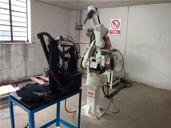 自动化焊接设备