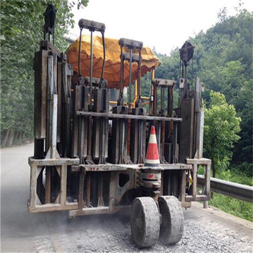 濮阳混凝土路面破碎机厂家_水泥土路面破碎机供应商