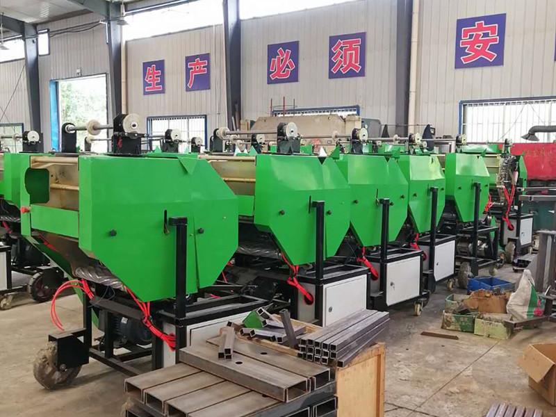 牛羊草料青储机器 全自动裹膜青贮机玉米秸秆全自动打捆包膜机
