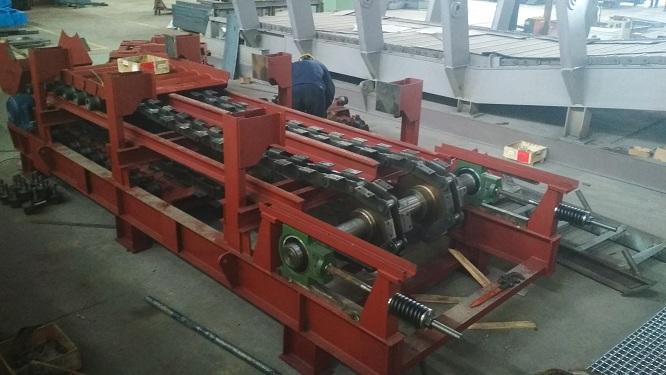 板式喂料机尾轴拉紧装置设计和制造要求说明