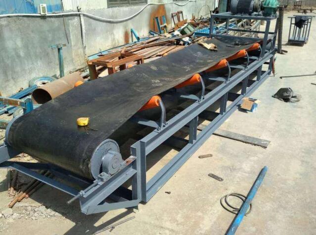 磷矿粉皮带输送机