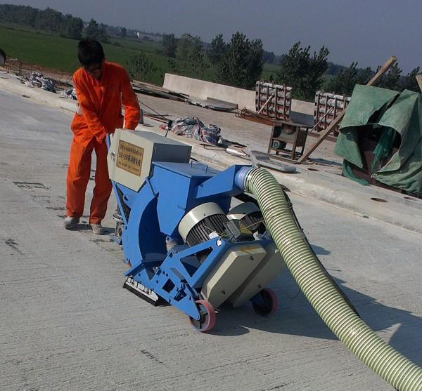 路面抛丸机在高速公路现场施工