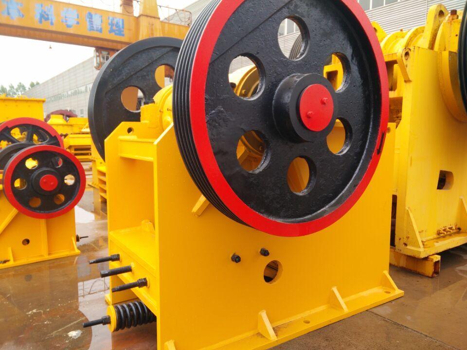 选萤石重选设备,萤石矿重选加工设备,萤石矿重力分选机器