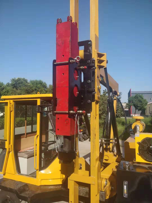 安徽液压打桩机钻孔安装护栏多少钱啊 护栏立柱打桩机价格 哪里有公路护栏打桩机