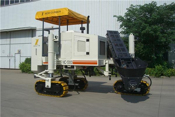 混凝土摊铺机价格低 质量优 售后有保证就找徐州新路缘摊铺机