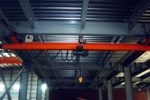 轻型与CD、MD配套使用的单梁悬挂桥式起重机