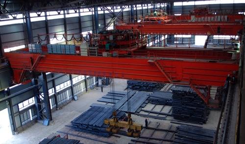 起重机械生产厂家 QL旋转电磁桥式起重机图片介绍