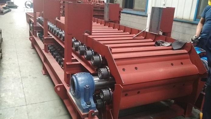 板式给料机驱动扭力支撑结构