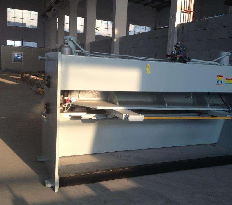 2500液压闸式剪板机