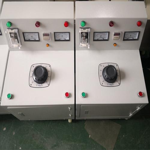 超轻型大电流发生器