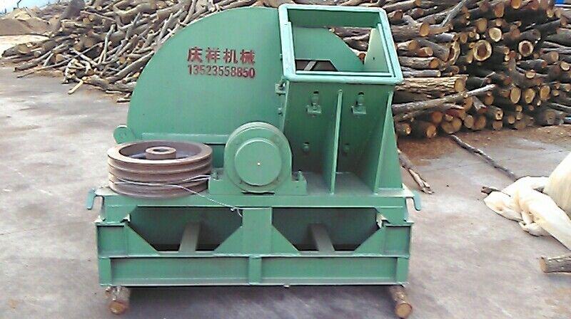 山东自走式木材木屑粉碎机生产厂家价格